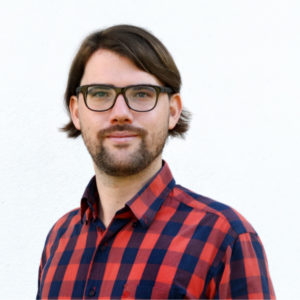 "Michael Kolain studied law in Heidelberg and Istanbul. Since 2015, he has been a research assistant in the ""Digitization"" program area at the German Research Institute for Public Administration in Speyer; since 2018, he has also been coordinator there. He is particularly interested in regulatory issues associated with new digital technologies such as blockchain, AI or robotics. He also deals with e-government, constitutional law and interdisciplinary aspects of law. He enjoys working with computer scientists and hopes one day to find a common language between the two disciplines. He has already published several essays on the topic ""Blockchain"" and given numerous lectures."